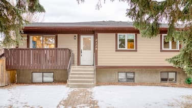 NEWLY RENOVATED 3 BEDROOM IN MARDA LOOP