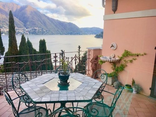 Lake Como Rose Castle - 2 Bedroom Apartment With Terrace, Garden and Lake View