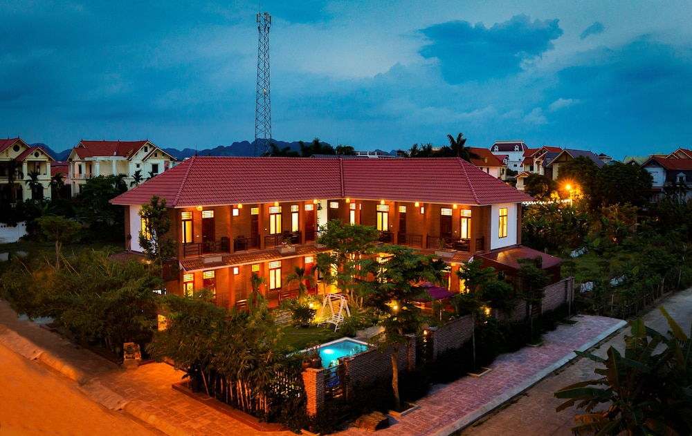 Front of Property - Evening/Night, MH Cherish Homestay