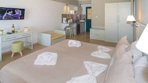 Zimmersafe, laptopgeeigneter Arbeitsplatz, kostenlose Babybetten