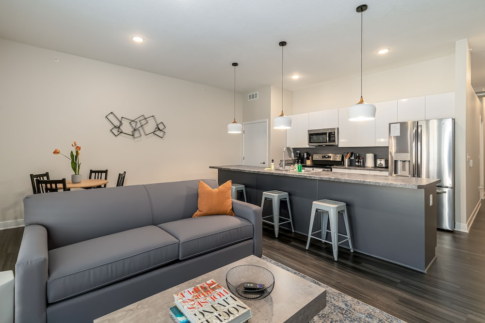 Living Area, Kasa Des Moines Downtown Apartments