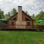 New! Perfect Pemi Riverfront Log Cabin, Great for Families, Sleeps 15