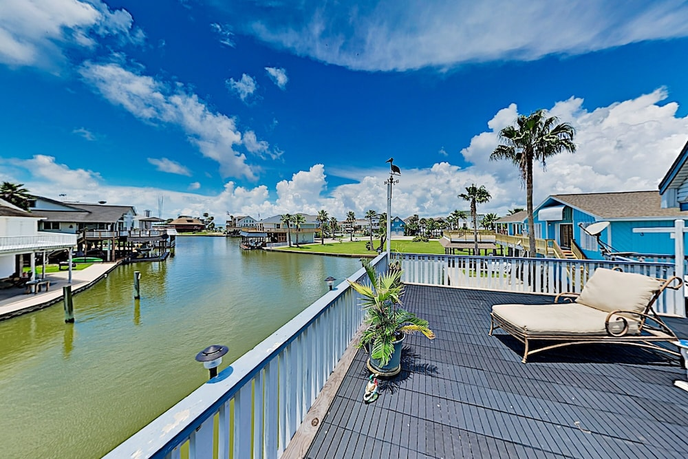 Featured Image, Waterfront Island Tiki House With Boat Slip & Deck! - 3 Bedroom Home
