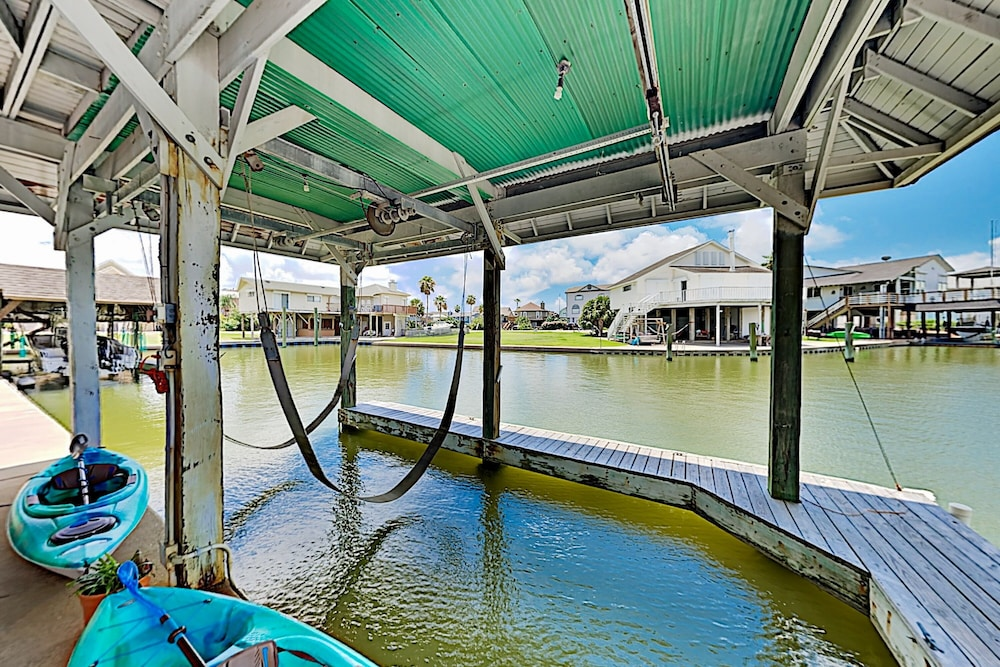 Pool, Waterfront Island Tiki House With Boat Slip & Deck! - 3 Bedroom Home