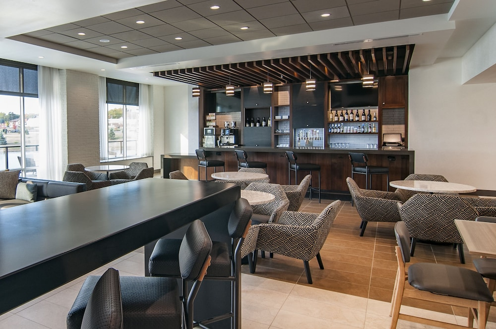 Lounge, Hyatt Place Sioux Falls South