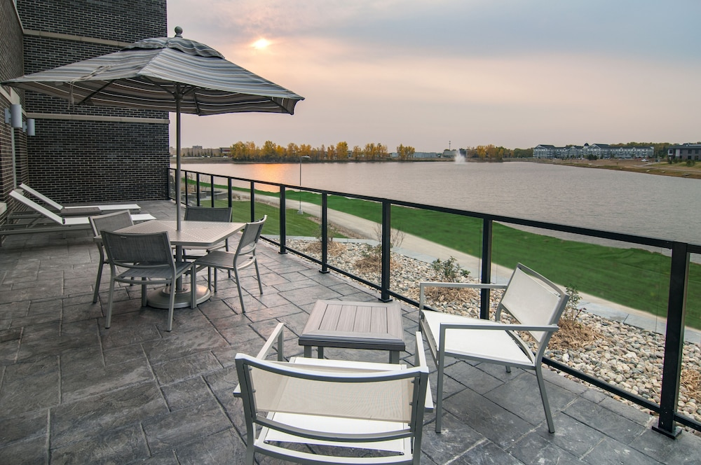 Sundeck, Hyatt Place Sioux Falls South