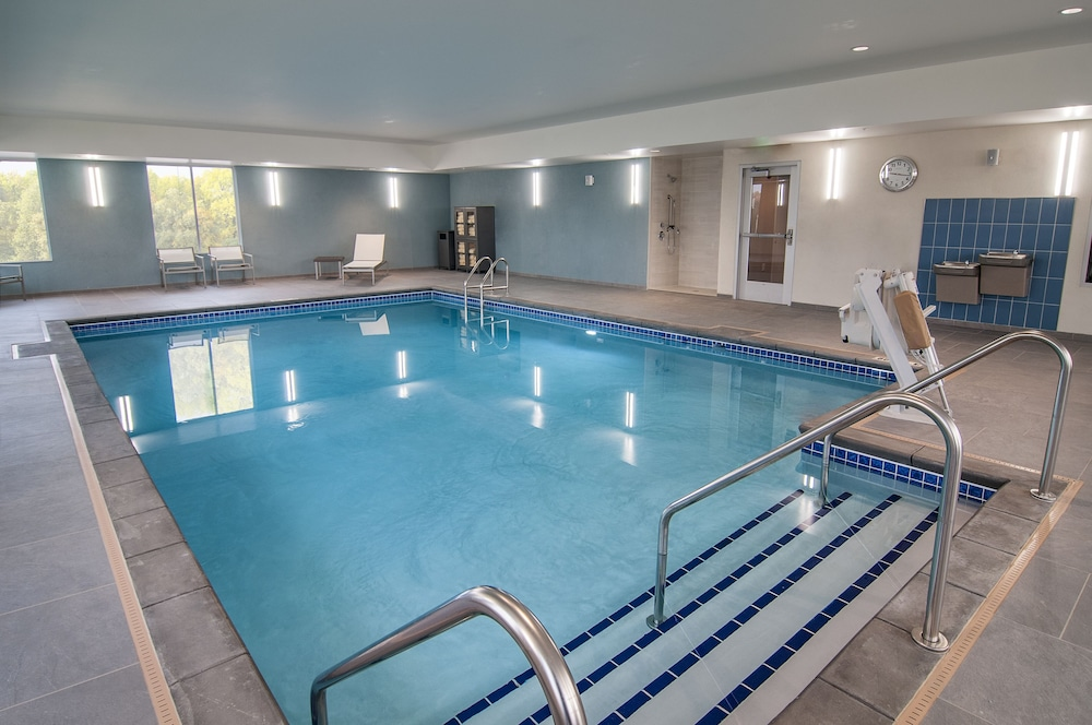 Indoor Pool, Hyatt Place Sioux Falls South
