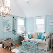 Relaxing, Newly Renovated Beach Cottage! Steps to Pine Point Beach!