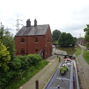 Coventry Canal Side Lock Keepers Character Cottage