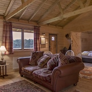 Rustic Log Cabin Overlooking Sherwood Forest