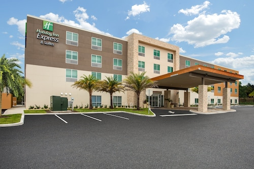 Holiday Inn Express And Suites Deland South, an IHG Hotel