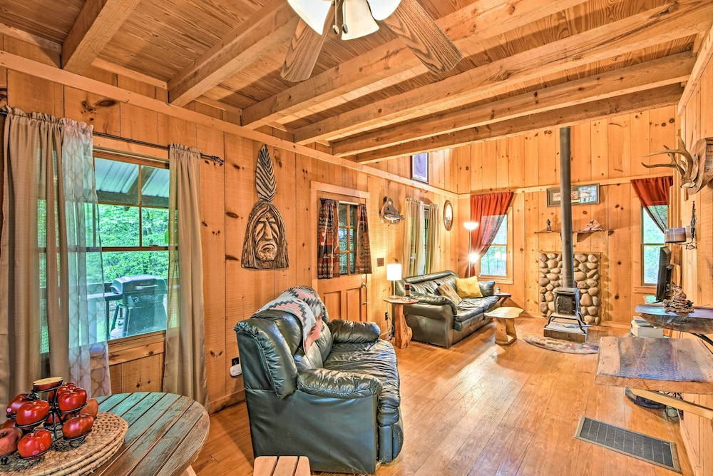 Living Room, Suches Cabin With Deck: ~5 Miles to Fish Hatchery!