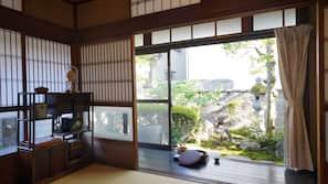 高級寢具、羽絨被、設計自成一格、家具佈置各有特色
