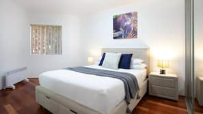 2 bedrooms, laptop workspace, iron/ironing board, bed sheets
