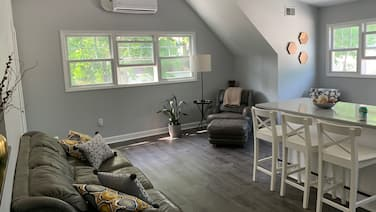 Brand New One Bedroom Carriage House Near U of M Campus and Athletic Facilities