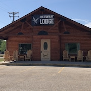 The Flyway Lodge - Fountain City, WI
