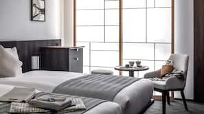 羽絨被、房內夾萬、免費 Wi-Fi、床單