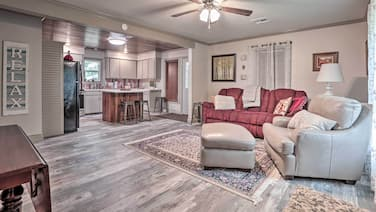 New! Lake Charles Home: 1 Mi to Public Boat Launch