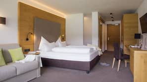 Hochwertige Bettwaren, Daunenbettdecken, individuell dekoriert