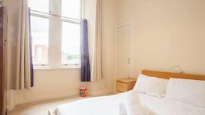 2 Schlafzimmer, laptopgeeigneter Arbeitsplatz, Bettwäsche