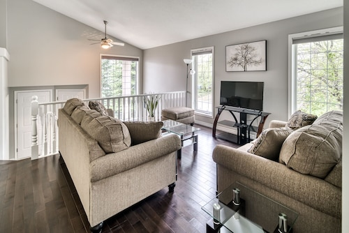 Executive 5BD Home Mins TO Spruce Meadows