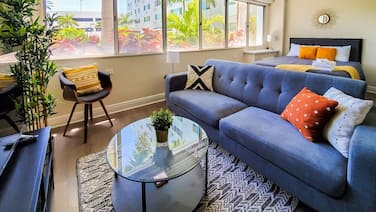 Downtown St. Pete Apts by Frontdesk