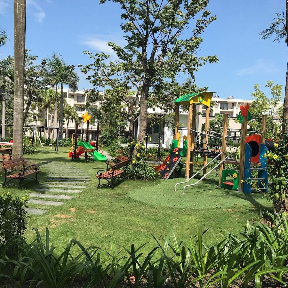 Children's Area, Ha Long Bayview 2br Apartment -009