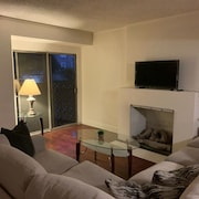 Simple 2 Bedrooms in an Amazing Location / Melrose