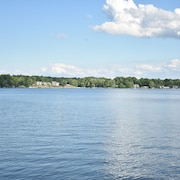 Lakeside Living Awaits at Beautiful Lake Milton, OH