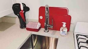 微波爐、咖啡機/沖茶器、廚房用具/餐具/器皿