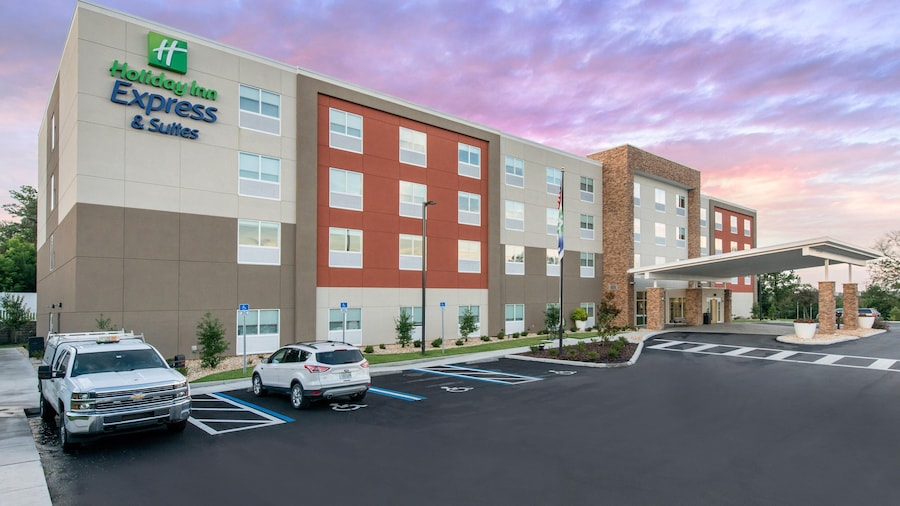 Holiday Inn Express & Suites Wildwood The Villages, an IHG Hotel