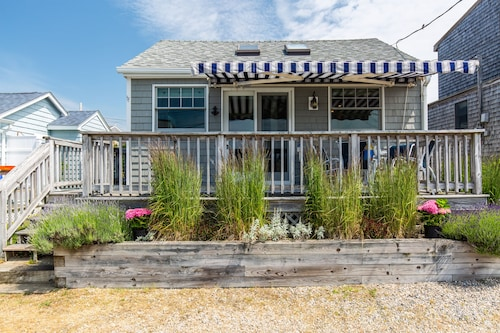 Narragansett Coastal Cottage Charmer With Private Beach & Ocean Views!!!