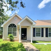Home Sweet Home - Newly Renovated Property-located Near Robins AFB