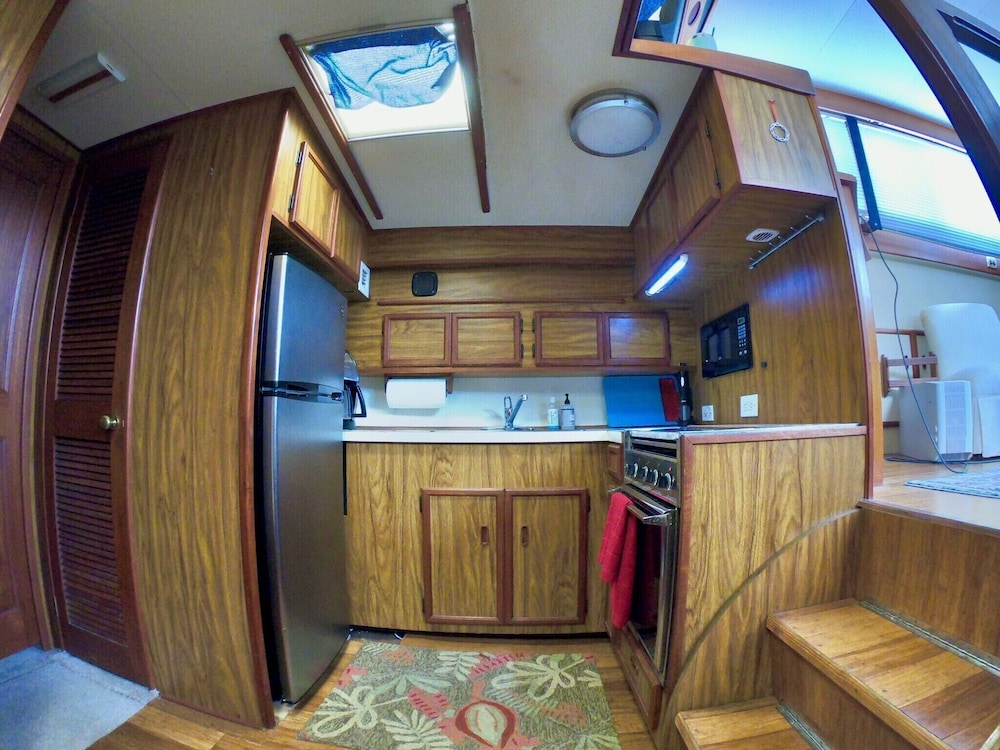 Private Kitchen, Getawave and Experience Yacht Life