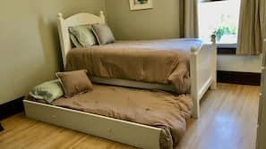 4 bedrooms, iron/ironing board, travel crib, free WiFi