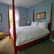 Rent the Carriage House at The Wiilmington Inn-all Property Amenities Included!