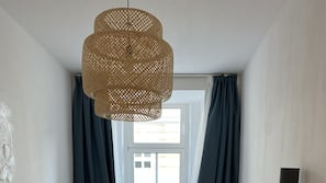 1 slaapkamer, een strijkplank/strijkijzer, wifi, beddengoed