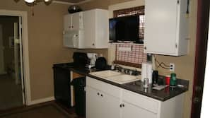 Microwave, oven, dishwasher, coffee/tea maker