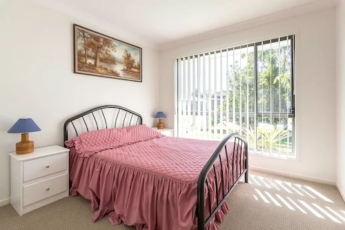 Beerwah Ideal 1 Bed Apartment, Pet Friendly and Only 5 Minutes to Australia Zoo
