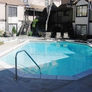 Lake Arrowhead Village 2 Bedroom Condo