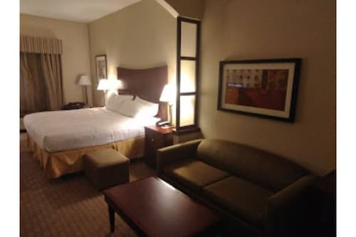 Red Lion Inn - Suite 5