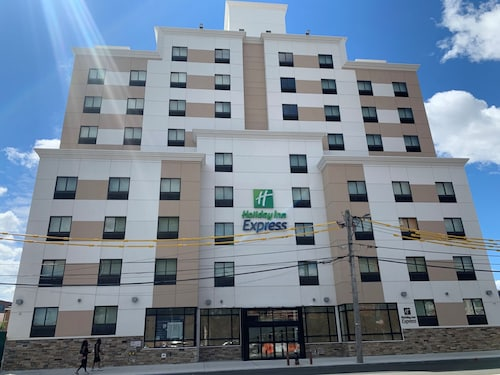 Holiday Inn Express Jamaica - JFK AirTrain - NYC