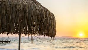 Privatstrand, Cabañas (kostenlos), Liegestühle, Sonnenschirme
