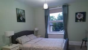 Individually furnished, blackout curtains, free WiFi, bed sheets