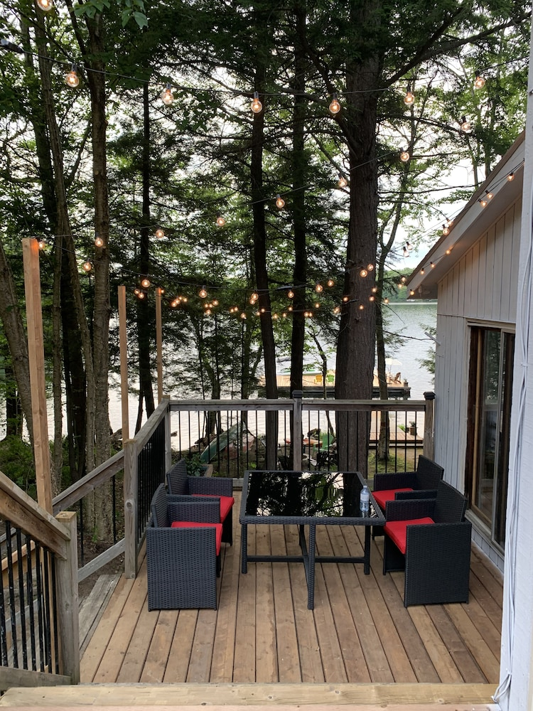 Balcony, Spectacular Private Cottage With 480 Feet Water Frontage!