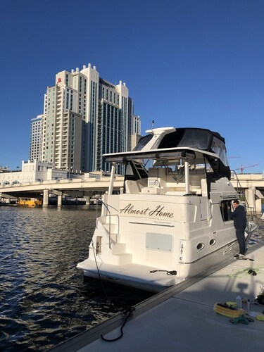 2 Bedroom Yacht in Downtown Tampa