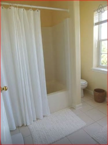Bathroom, Comfortable Apartment With Swimming Lakes and 5 Miles of Walking Trails