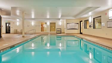 King Suite Near Reno-Sparks Convention Center! Complimentary Breakfast On-Site