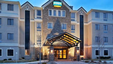 2 Bedroom Suite | Complimentary Breakfast + Shared Pool & Hot Tub! Great for Business Travelers