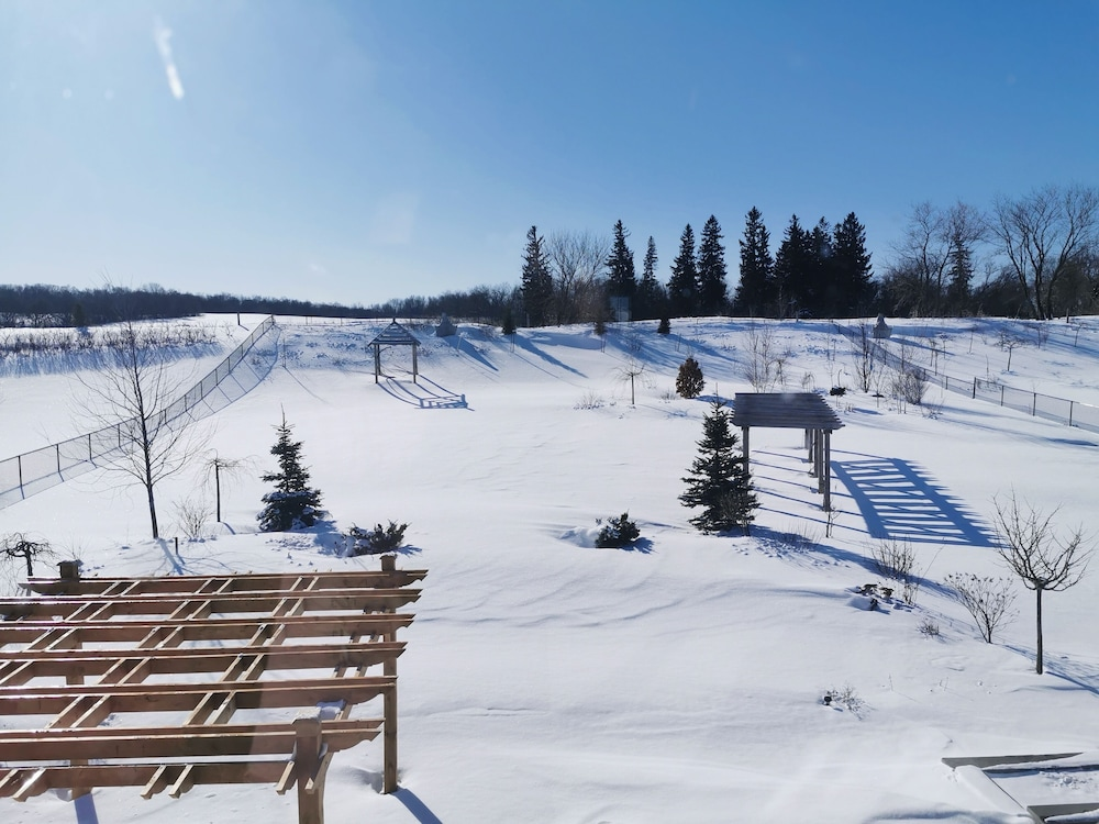 Snow and Ski Sports, Luxurious Getaway Close to the City